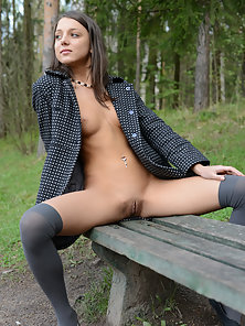 Dark Haired Girl Get Excited And Openly Show Her Tits in the Garden