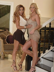Lesbos Phyllisha Anne and Demi Delia get themselves wet and pound their holes with adult toys