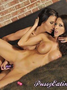Brunette Lesbian Babes Licked Their Shaved Tight Pussies on Bed