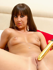 Sexiest College Girl Deeply Fucking By a Golden Color Hot Dildo