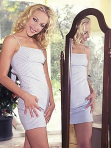Hot blonde lezzie in high heels strips nude and gets a dildo in her cu
