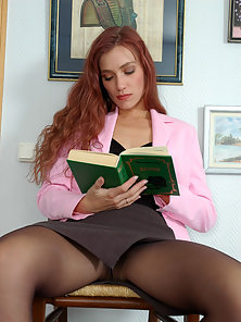 Pantyhose Brunette Chick Diana Making Licking Laura Twat in Huge Excitement