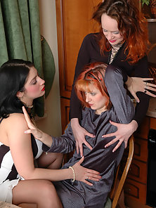 Maria and Fanny and Ninon lustful lesbian pantyhosers