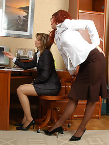 Nasty Babes Gwendolen and Isabella Displays Different Actions of Pussy Eating