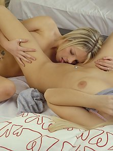 Two Gorgeous Blonde Babes Making Pussy Fingering Action Sleep Over the Bed