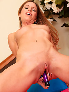 Good Looking Carly Bell Massive Slammed Her Tight Snatch with a Dildo