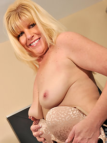 Super Sexy Old Blonde Babe Posing Her Big Boobs and Dildo Fucking