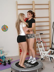 Young athletes show hot they work in the gym
