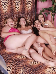Free porn gallery picture Four pussy loving women fucking each other