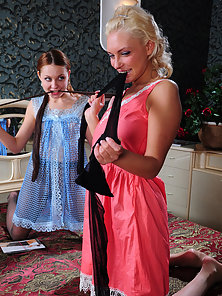 Amelia and Stephanie leggy pantyhose girls