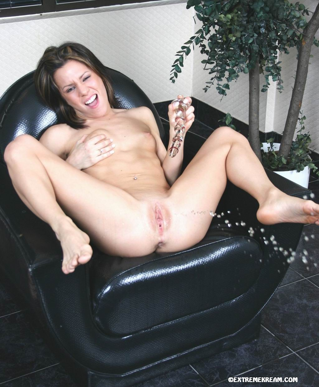 Hottest Babe Kream Insert Huge Glass Dildo In Her Cunt In Many