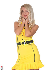 Hot Blonde Tyron Strips Her Yellow Thongs and Shows Pink Pussy