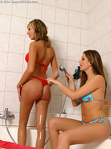 Rounded Ass Babe Sandra and Brooke Licking Their Wet Pussies in Bathroom
