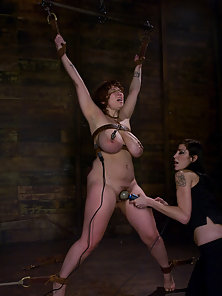Hot Looking Busty Babe Having Deep Fisting In Bondage Action