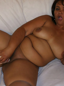 Hot BBW Lesbians Licking the Fucking With Dildo on Couch to Having Satisfied