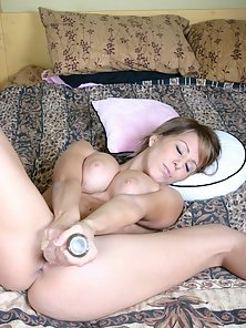 Huge Rounded Tits Babe Kream Flashed Massive Dildoing Acts