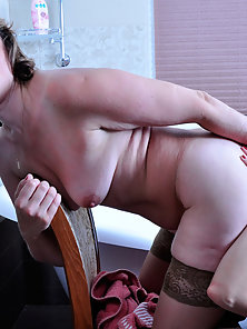 Wow Breast Pumping Pleasure Takes Emilia by Hottest Babe Mabel