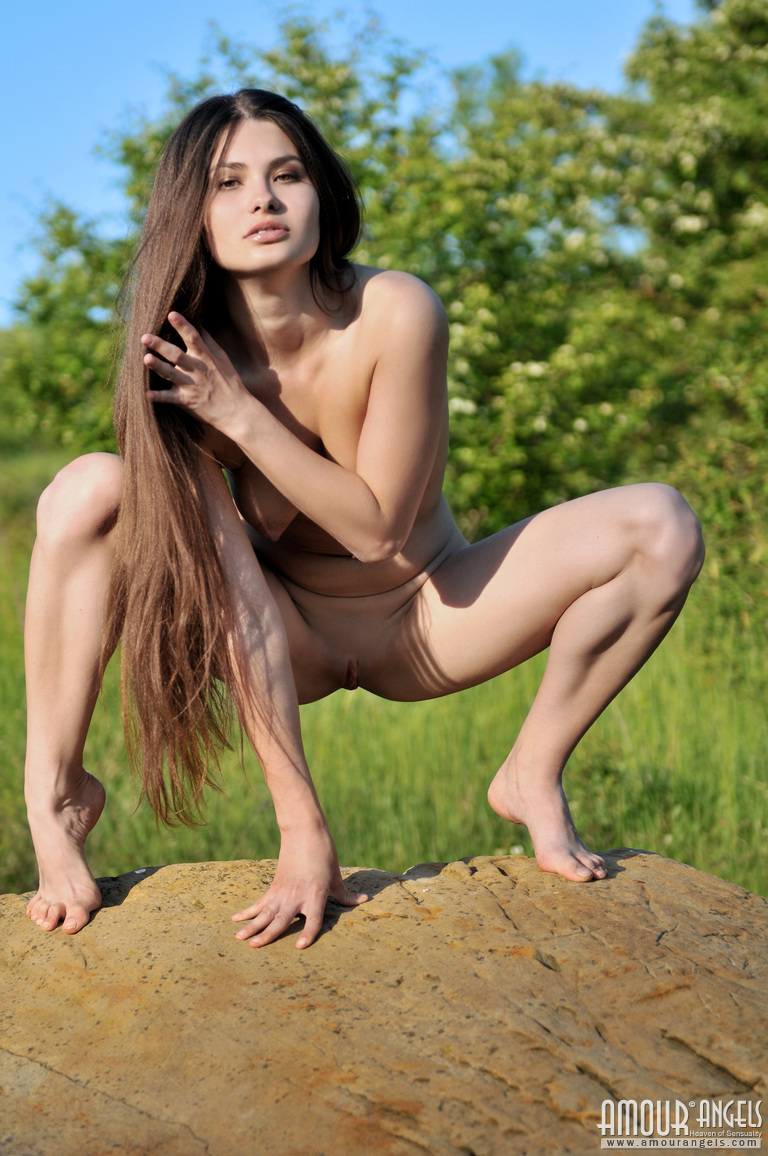 Teen naked in nature, daddy touched my bottom holetures