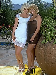 Experienced lesbian babes in the garden