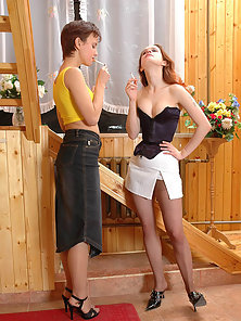 Liloo and Ninon and Susie perfect lesbian pantyhosers