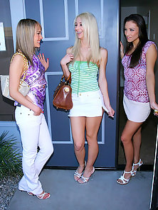 Good Looking Young Lesbian Babes Showing Their Naughty Lesbian Acts