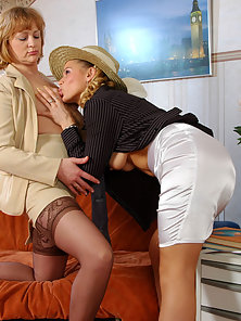 Stocking Wore Babe Emilia Gets Fingering Action by Her Partner Susanna