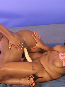 Ebony Babes Sky Black and Suckable Fucking With Double Ended Dildo