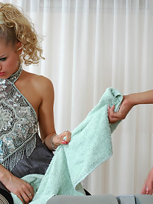 Free porn gallery picture Susanna and Cornelia nasty anal lesbians