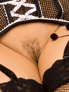 Stunning Babe Jaime Hammer Shows Hairy Twat and Excited