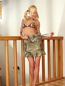 Cute School Teen Hanna Posing Her Naked Figure At Banister