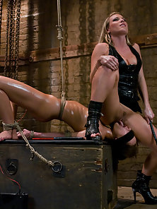 Hot Lesbian Babes Having Satisfied With Bondage and Electricity