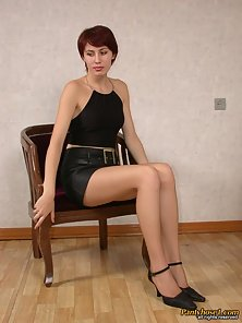 Short Hair Redhead Babe Klara Deeply Licking Lezzy Twat In Excitedly