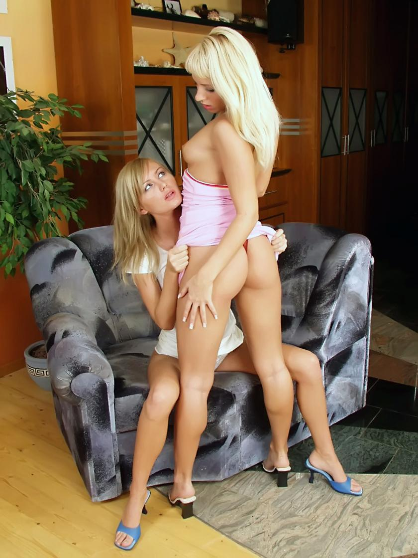 big ass blonde babes kissed and licked before they fingered