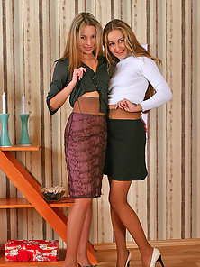Sexy Pantyhose Babes Mathilda and Penelope Making Playing Each Other Twat
