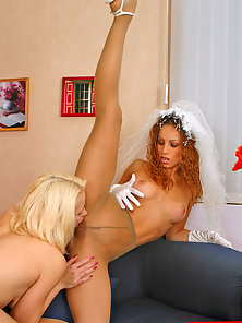 Luxurious Babes Hannah and Irene Licking Pussy in Lesbian Sex