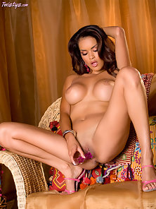 Bubble Boobs Daisy Marie Fucking With Dildo on Couch to Getting Pleasure
