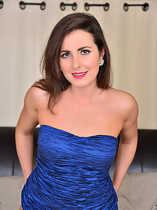 Beautiful Lady takes off her blue dress and exposes fine naked body