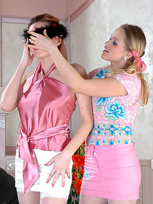 Huge Butts Babes Susanna and Marion Gets Fucking Each Other With Strapon Dildo