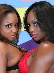 Black Beauties Eating Their Pussies on a Couch